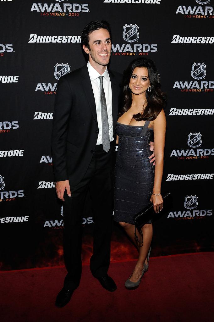 19 ryan miller (sabres) and noureen dewulf (anger management) - athlete celebrity couples