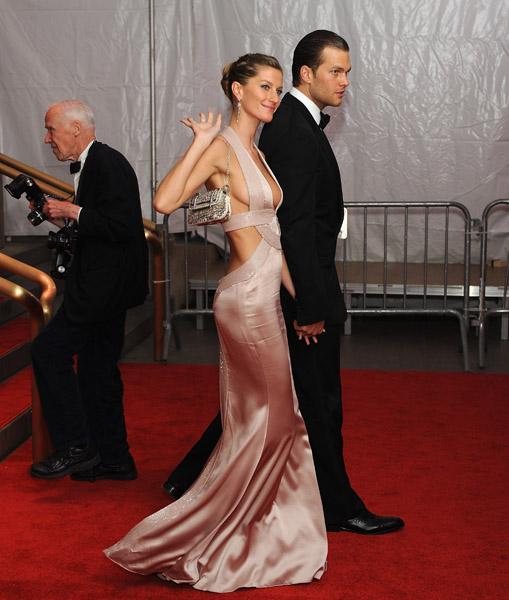 2-tom-brady-and-gisele-athlete-celebrity-couples