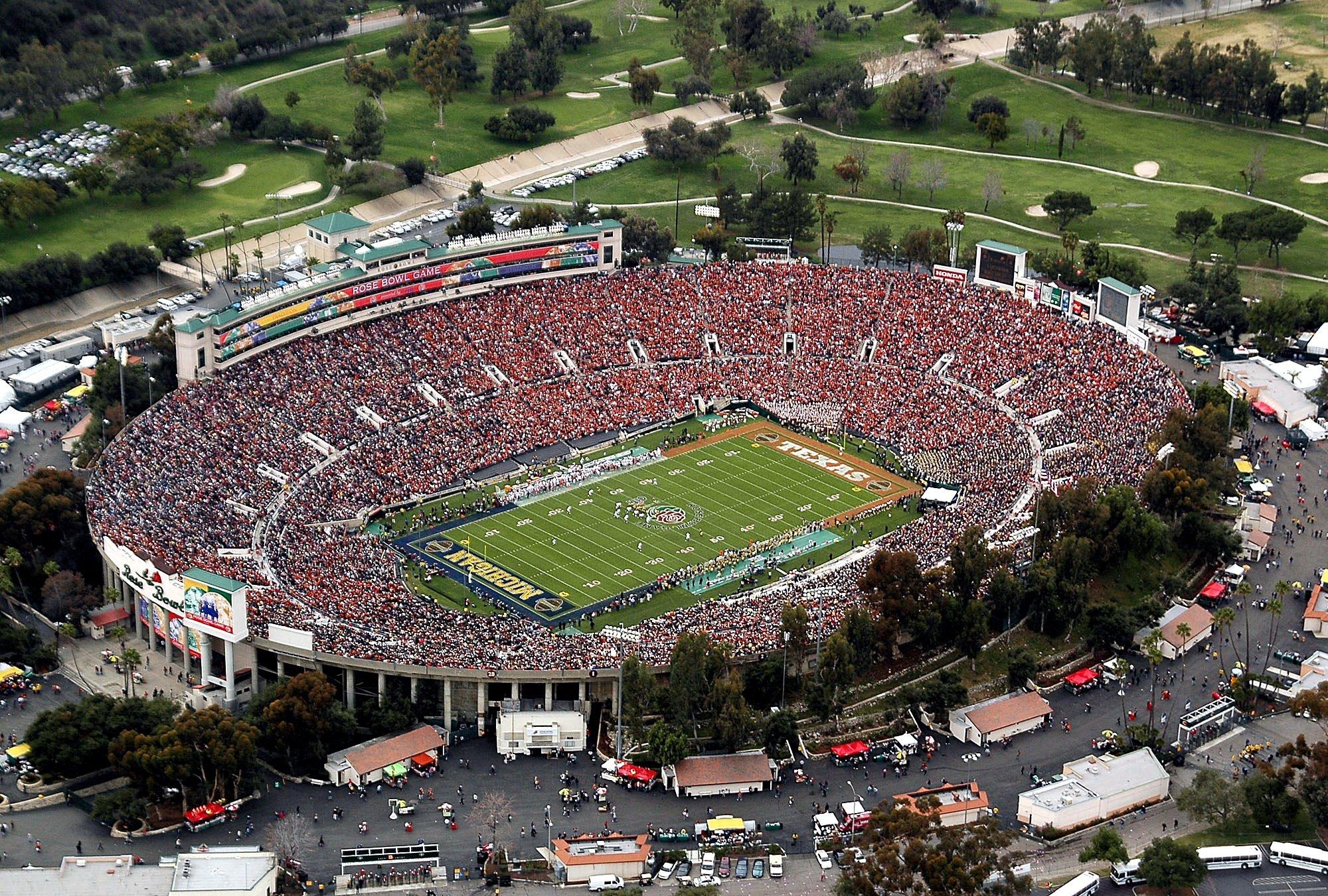 20 rose bowl (ucla) - best college football stadiums