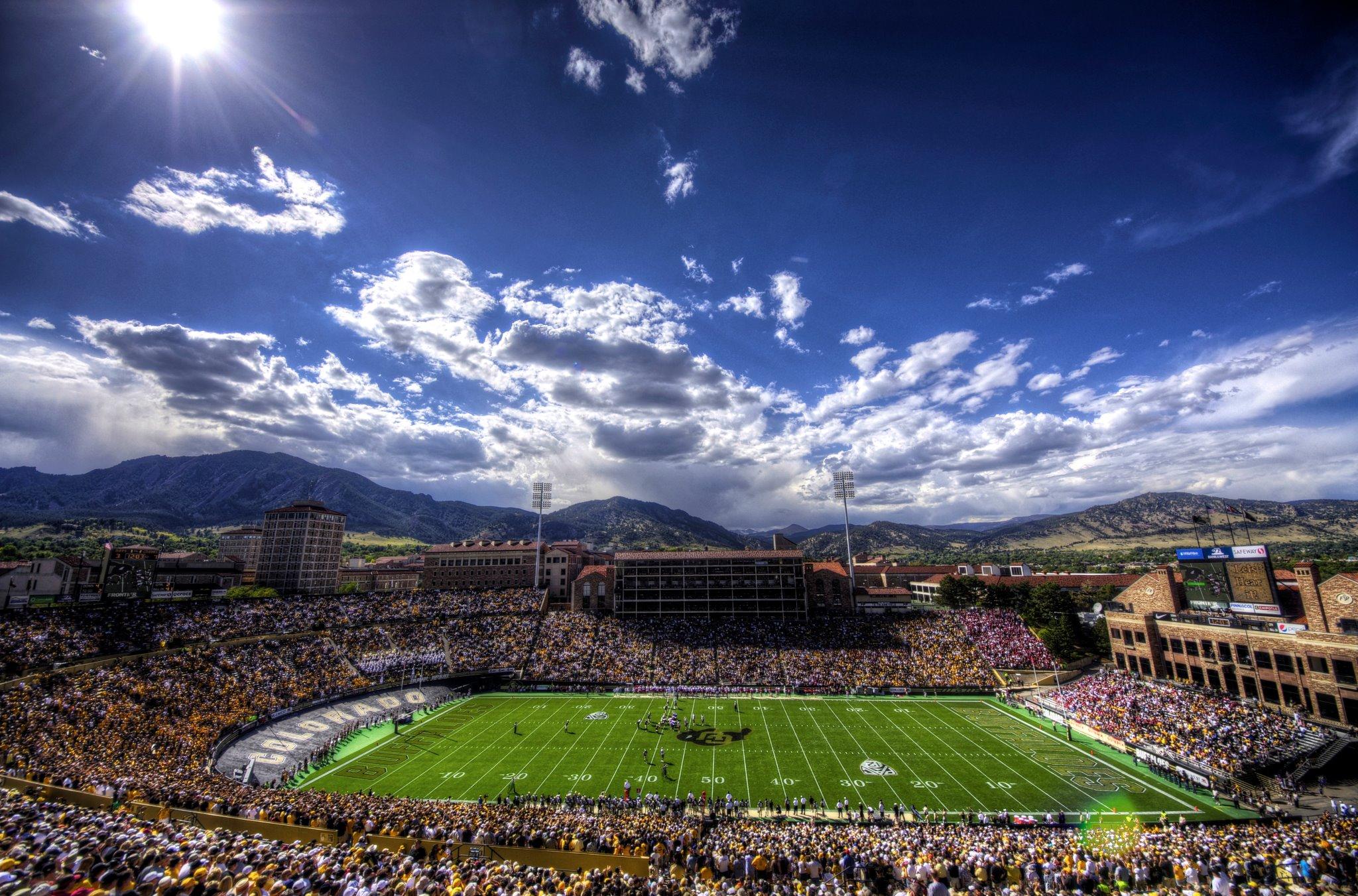 21 folsom field (colorado) - best college football stadiums