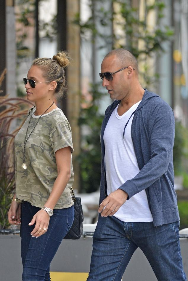 5 derek jeter (yankees) and hannah davis (si swimsuit model) - athlete celebrity couples