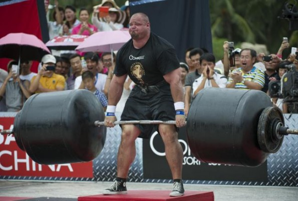 Brian Shaw Deadlifts 975 Pounds