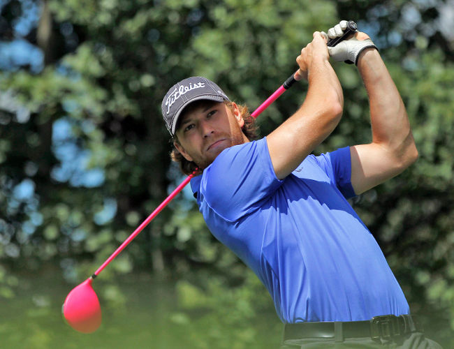 Claude Giroux golf injury - weird hockey injuries
