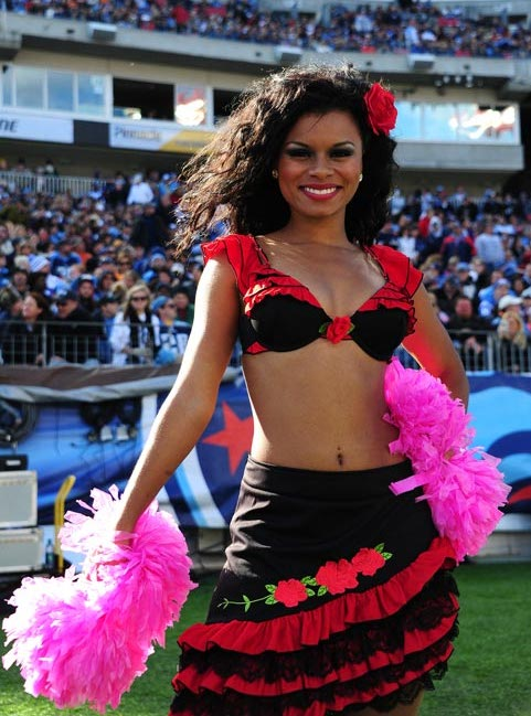 12 NFL Cheerleaders Halloween Costumes 2013 - titans flamenco dancer