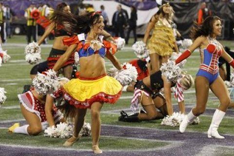 Attractive 18 NFL Cheerleaders Halloween Costumes 2013   Vikings Cheerleaders Snow  White Cowgirl Costumes