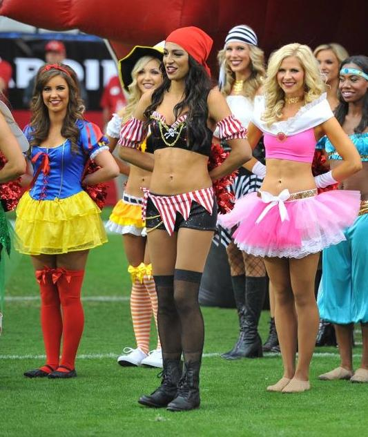 23 NFL Cheerleaders Halloween Costumes 2013 - cardinals pirate 2