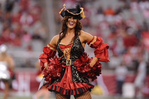 24 NFL Cheerleaders Halloween Costumes 2013 - cardinals cheerleader pirate