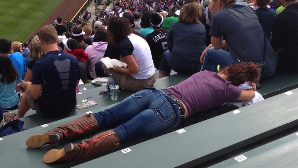 8 bored baseball fans