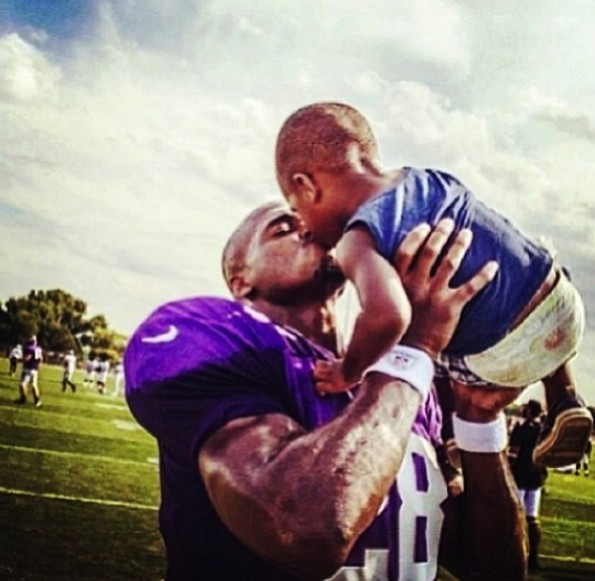 Adrian Peterson son dead at the age of 2