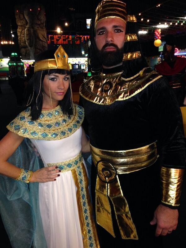 Rob Ninkovich and wife halloween costumes (patriots halloween party)