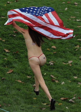 Streaker at the Presidents Cup 2