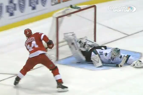 antti niemi ridiculous save on todd bertuzzi