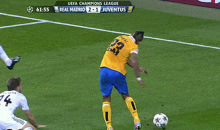 Juve's Arturo Vidal Kicks the Turf, Falls, Tries to Blame it on Phantom Real Madrid Player (GIF)