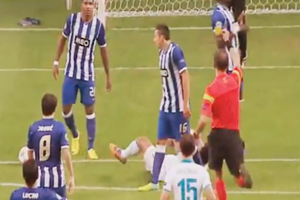 hector herrera two yellow cards in 20 seconds