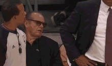 Jack Nicholson Takes a Snooze at the Lakers Game (GIF)