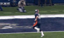 Peyton Manning Is So Fast, Even The Cameramen Couldn't Keep Up With Him (GIF)