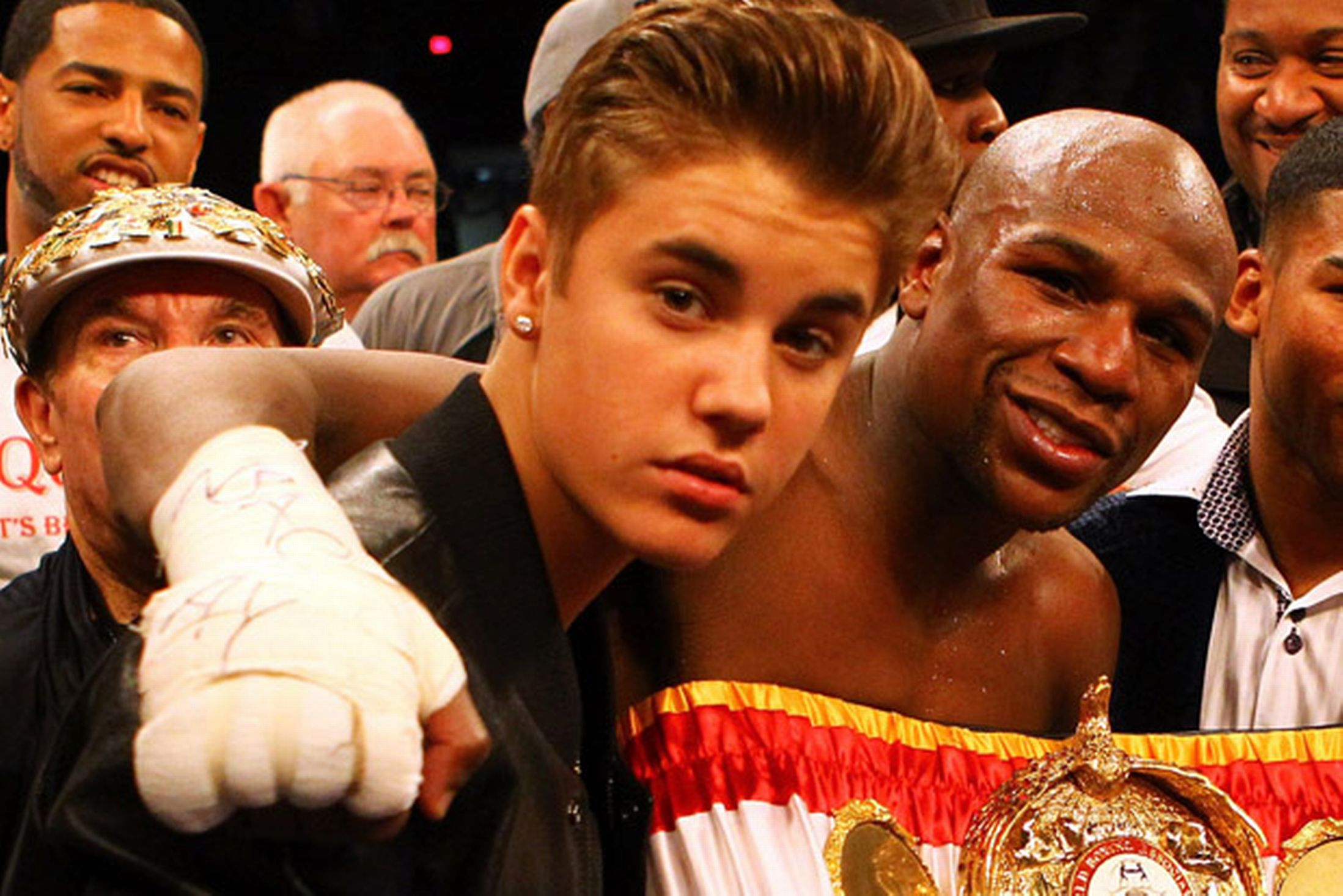 11 floyd mayweather with justin bieber - sports racists (racism in sports)