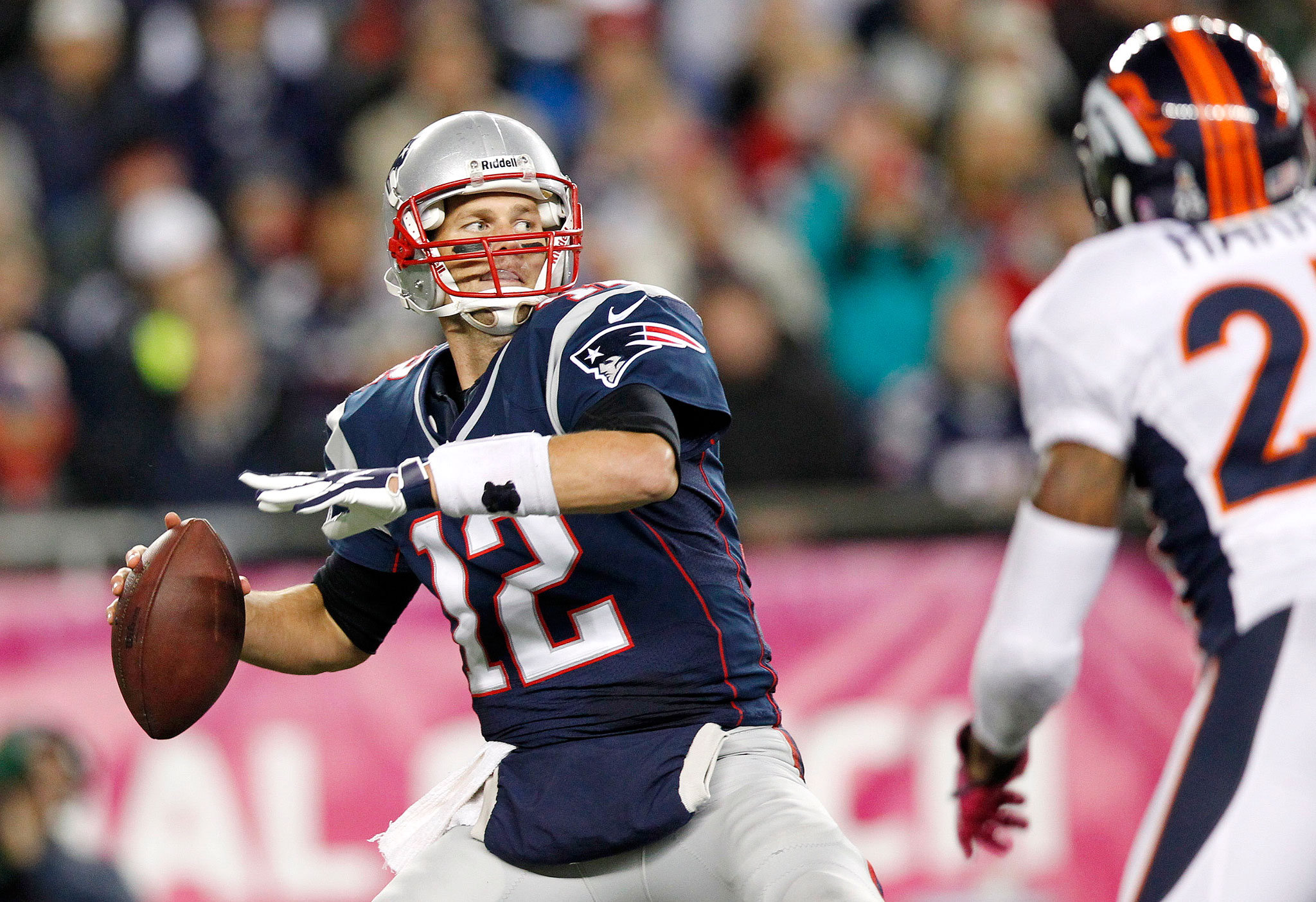 2 brady throwing patriots broncos 2012 - tom brady peyton manning rivalry