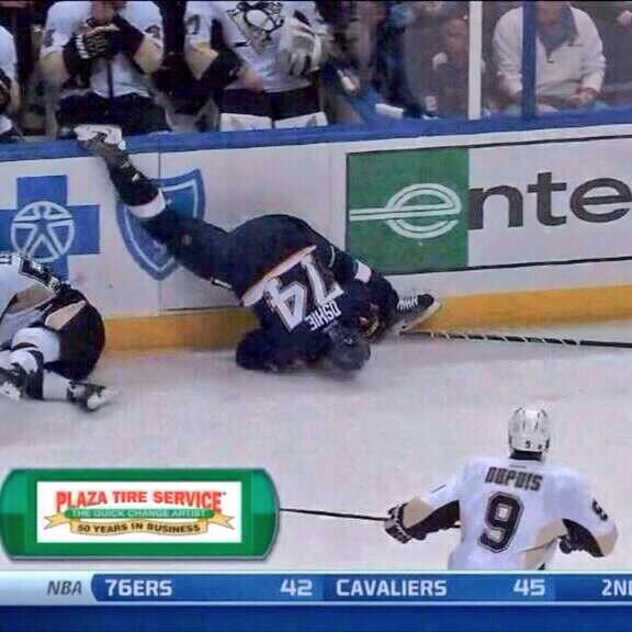 TJ Oshie Awkward Spill