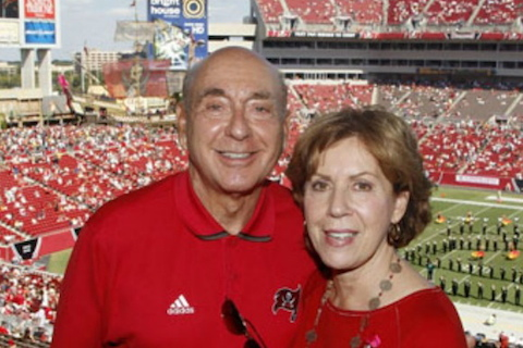 buccaneers fan dick vitale and wife