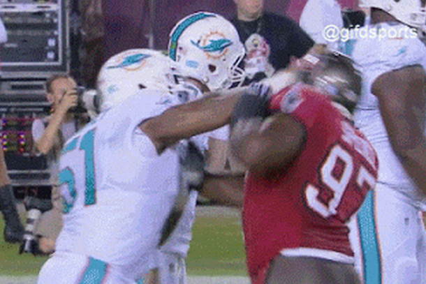 mike pouncey slaps tampa player