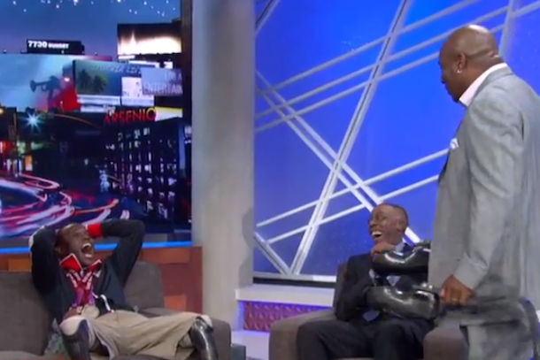 paralympic sprinter meets childhood idol bo jackson on arsenio hall
