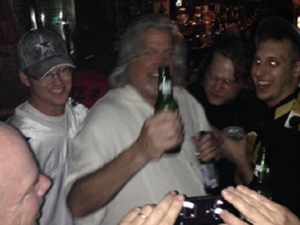 rob ryan drink with fans
