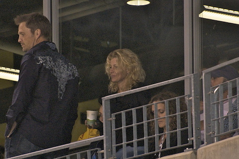titans fan faith hill watching game