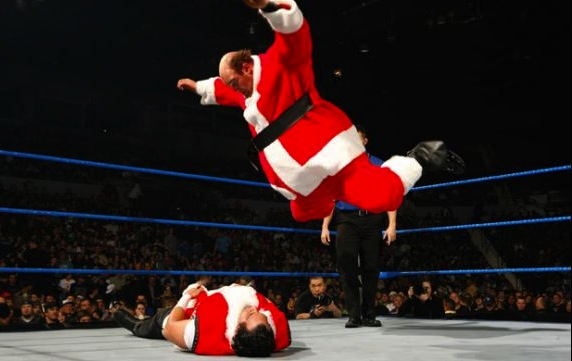 10 santa deuce vs santa festus wwe - athletes dressed as santa clause