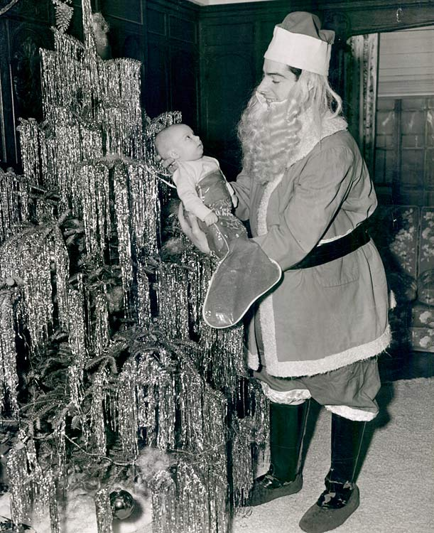 9 joe dimaggio santa - athletes dressed as santa
