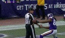 Vikings Cordarrelle Patterson High-Fives Ref in TD Celebration (GIF)