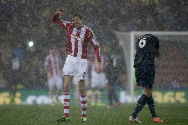 peter crouch hail delay