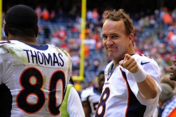 peyton manning breaks single-season touchdown record