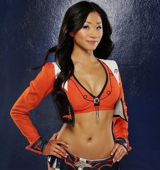 12 Kisato - Denver Broncos Cheerleaders - Hottest Super Bowl XLVIII Cheerleaders