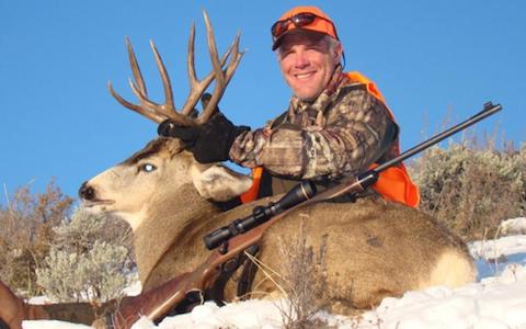 12 brett favre hunting - athletes who are hunters