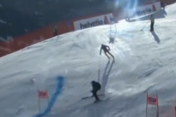 henrik kristoffersen almost collides with camera guy