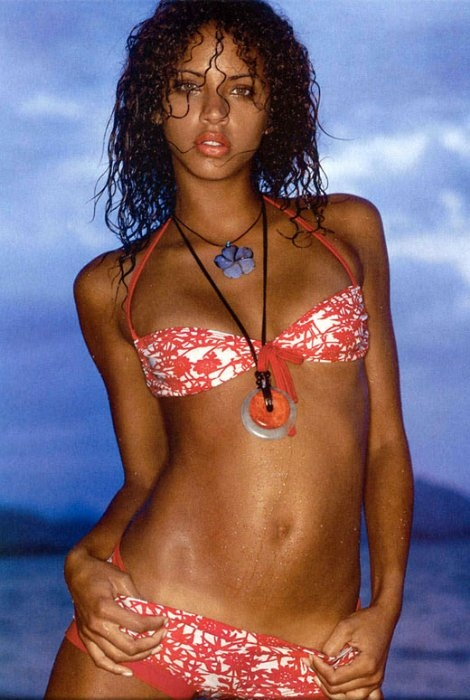 15 noemie lenoir (claude makelele) - sports illustrated swimsuit models who dated athletes