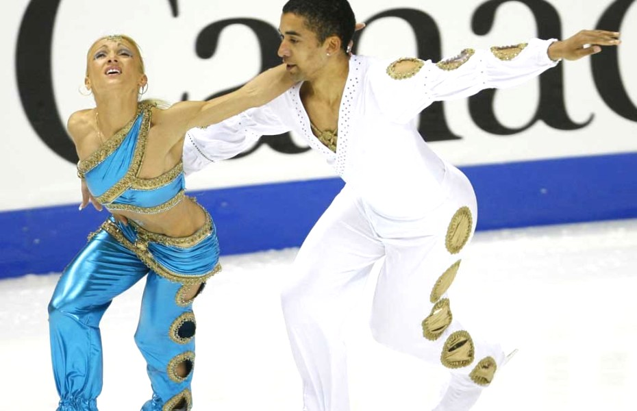 21-aladdin-insane-crazy-weird-figure-skating-costumes1