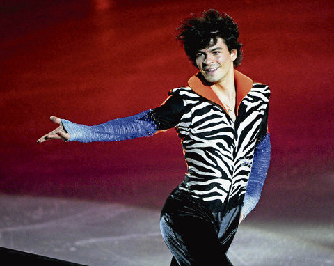6 zebra sequins gloves - insane crazy weird figure skating costumes