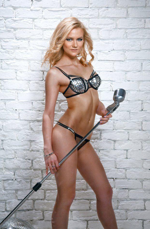 Alexandra Saitova, Curling