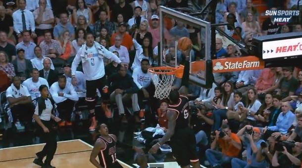 LeBron James fast-break alley-oop vs Pistons