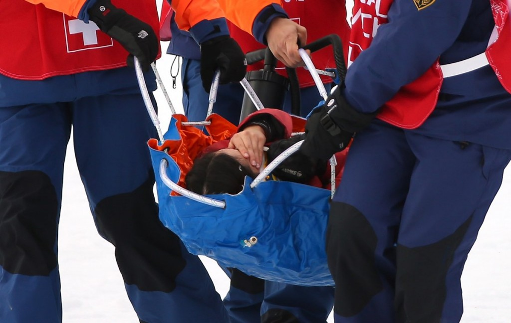Yuki Tsubota stretchered off slopestyle course