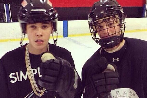 justin bieber playing hockey