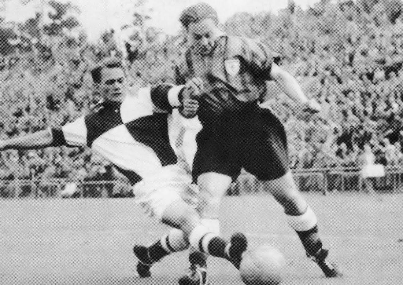 12 dundee tartan kit 1953 - worst soccer uniforms all time - worst football kits all time