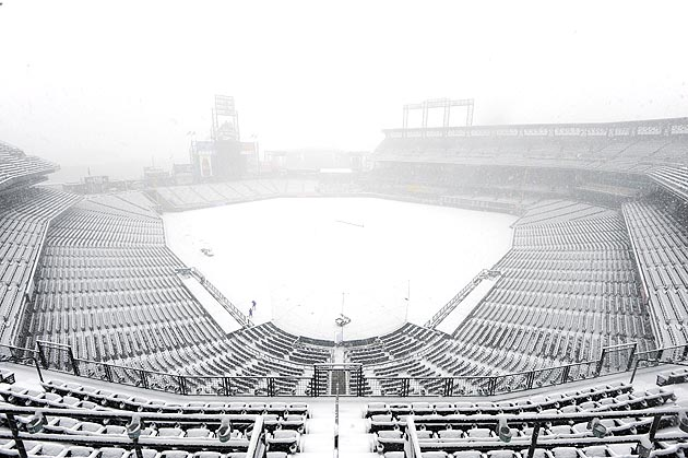 4-snow-covered-coors-field-2013-MLB-opening-day-memorable-moments