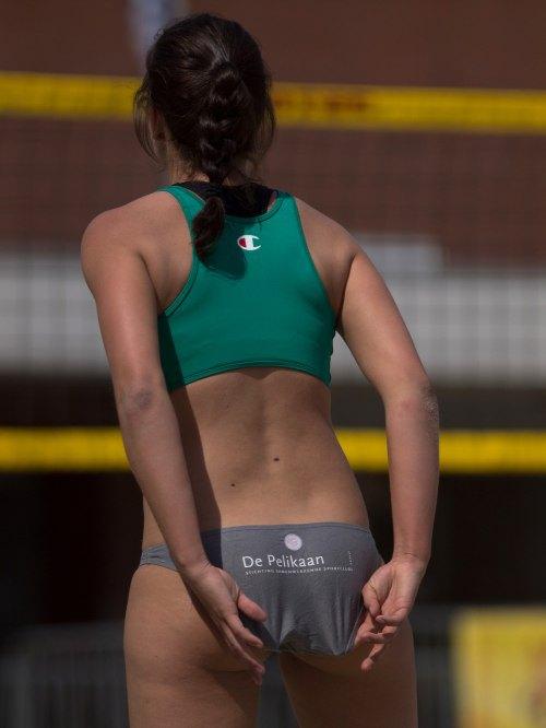 Total Pro Sports The Good ol' bikini wedgie pick (Pics)