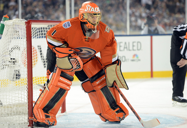 16 jonas hiller stadium series (anaheim ducks) - best goalie masks nhl 2013-14