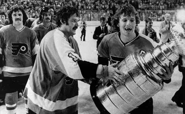 6 Philadelphia Flyers 1975 Stanley Cup - longest Stanley Cup droughts