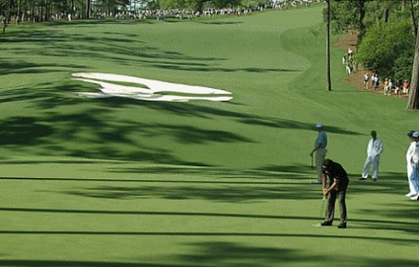 Phil mickelson putt masters 10th hole