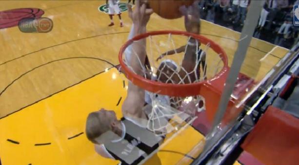 Plumlee Block LeBron dunk